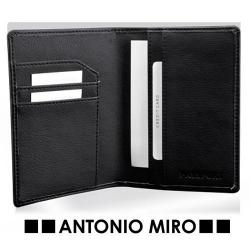 FUNDA PASAPORTE ELPUS*    -ANTONIO MIRO-