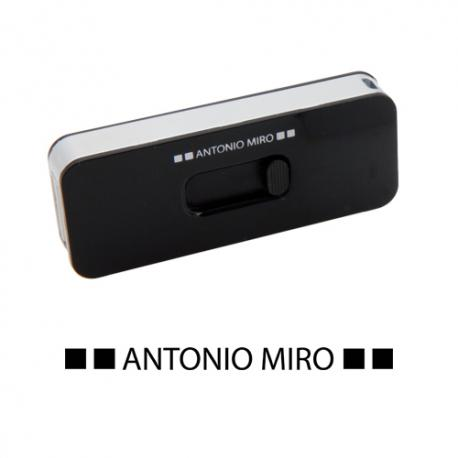 MEMORIA USB LIBER 4GB*     -ANTONIO MIRO