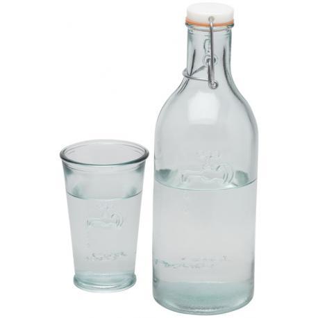 Botella de agua con vaso de vidrio reciclado